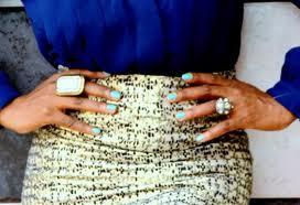 black woman nail varnish